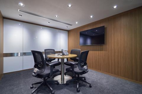 Compass Offices 136 Des Voeux Road Central サブ画像2