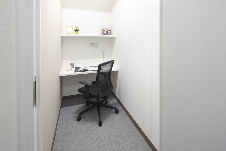 レンタルオフィス「オープンオフィス神戸三宮南」の個室(1人用)