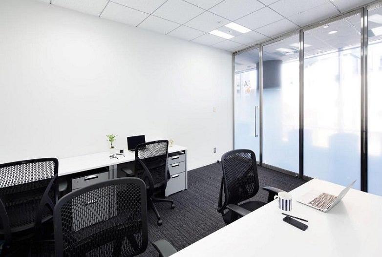 レンタルオフィス「ビジネスエアポート青山」の個室