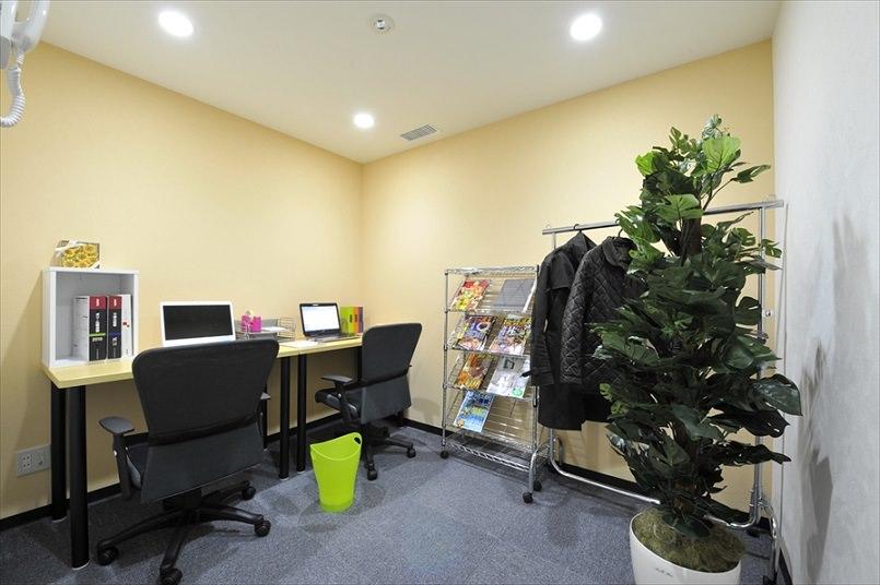 レンタルオフィス「ビズサークル新宿オフィス」の個室(2人用)