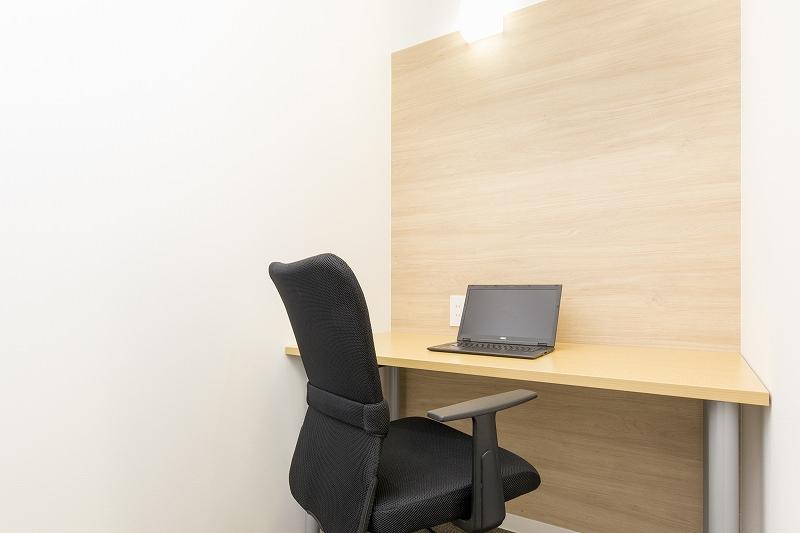 レンタルオフィス「ビズサークル神田オフィス」の個室(1人用)