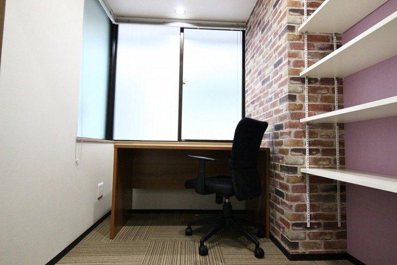 レンタルオフィス「ビズサークル神田神保町オフィス」の個室(1人用)