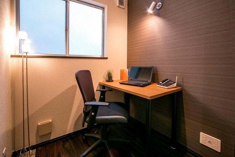 レンタルオフィス「ビズサークル青山表参道オフィス」の個室(1人用)
