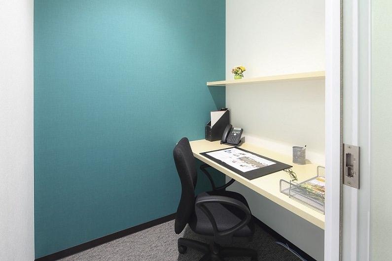 レンタルオフィス「リージャスなんばパークス」の個室(1人用)