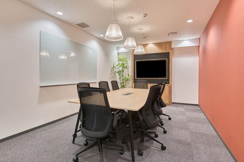 レンタルオフィス「リージャス福岡天神スカイホールビジネスセンター」の会議室