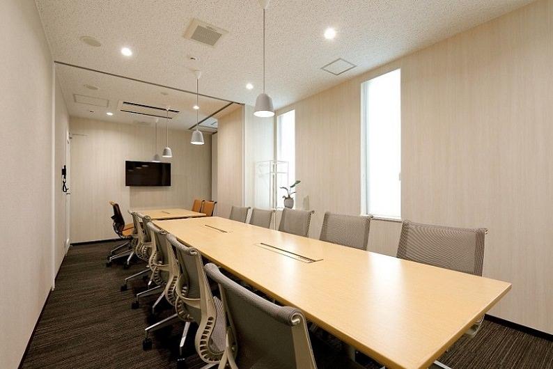レンタルオフィス「BUREX FIVE」の会議室
