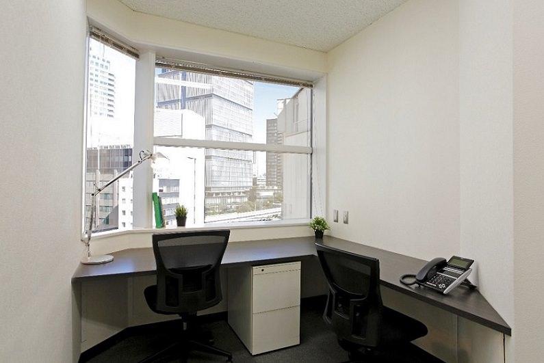レンタルオフィス「BUREX LaBo赤坂」の個室