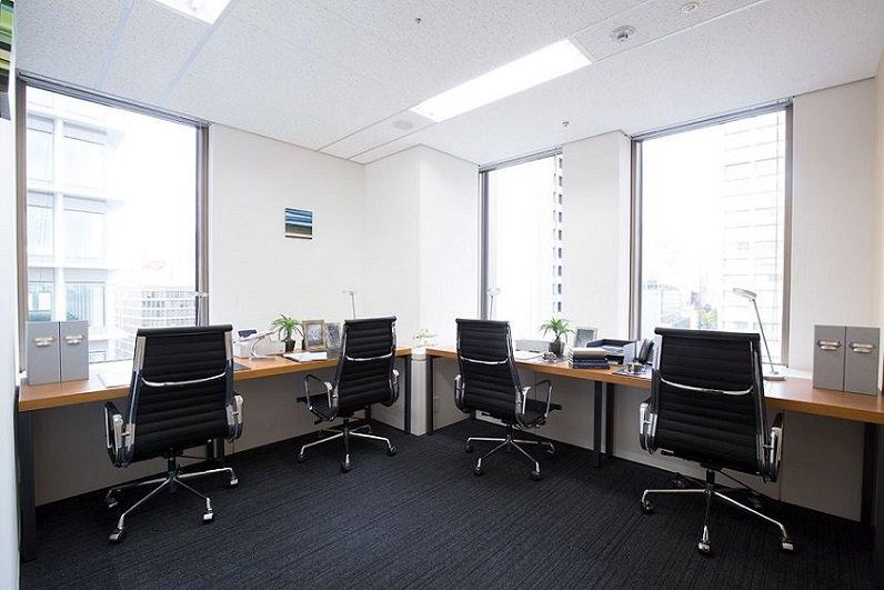 レンタルオフィス「EXPERT OFFICE 新橋」の個室