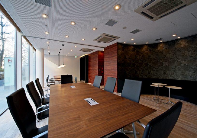 レンタルオフィス「EXPERT OFFICE 虎ノ門」の会議室