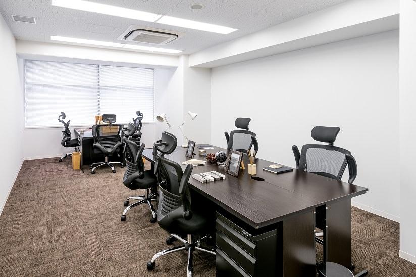 レンタルオフィス「EXPERT OFFICE GRAND新横浜」の個室