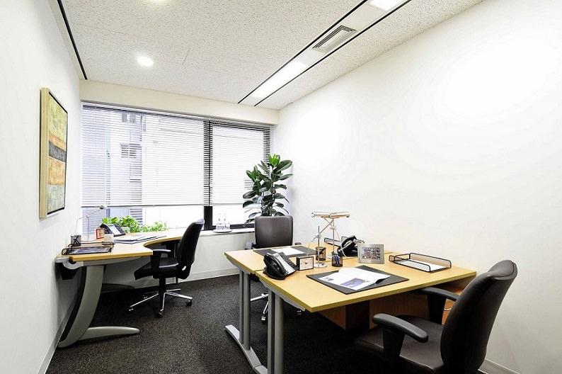 レンタルオフィス「リージャス日本橋兜町」の個室(3人用)