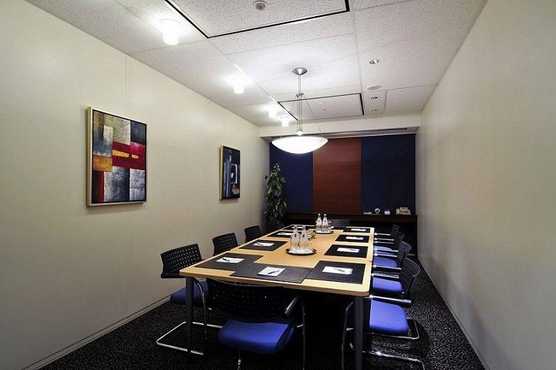 レンタルオフィス「リージャス大手町ファーストスクエア」の会議室