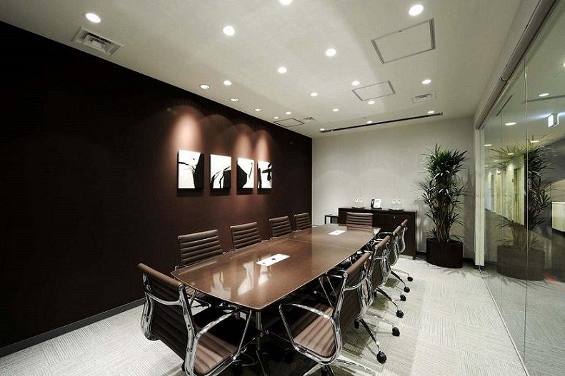 レンタルオフィス「リージャス新橋東急ビル」の会議室
