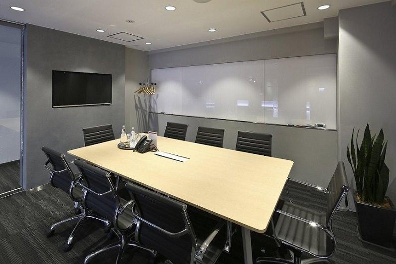 レンタルオフィス「リージャス六本木駅前」の会議室