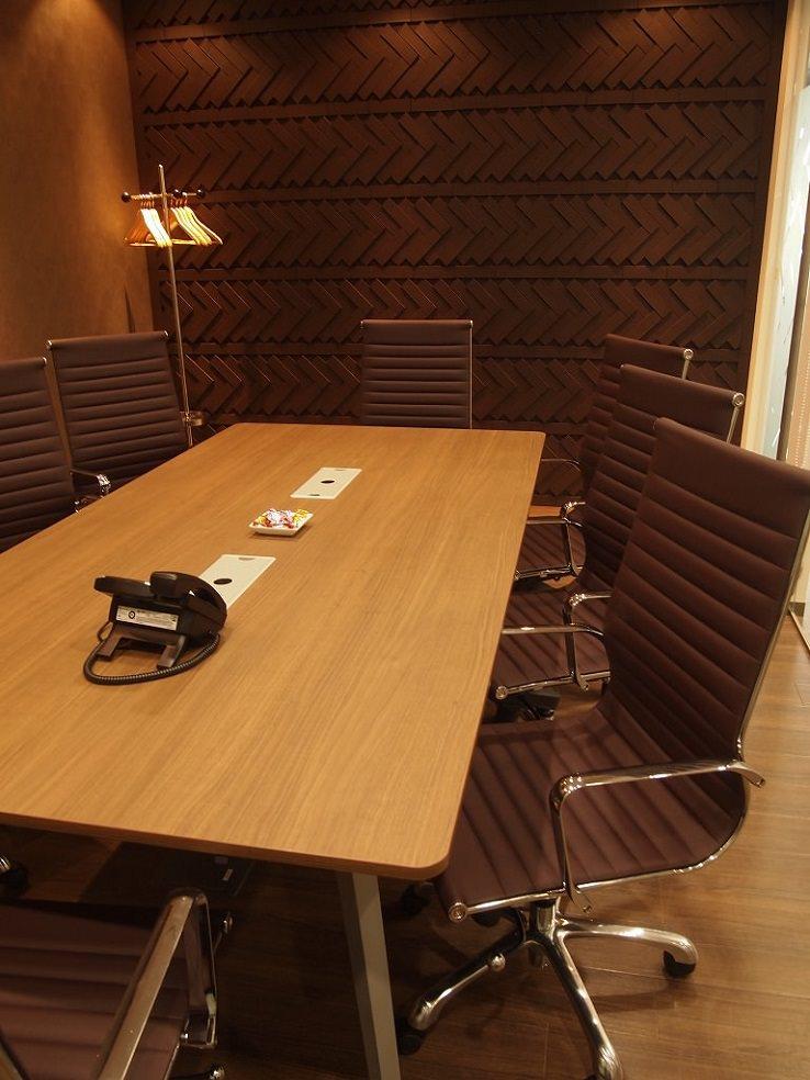 レンタルオフィス「リージャス札幌北ビル」の会議室