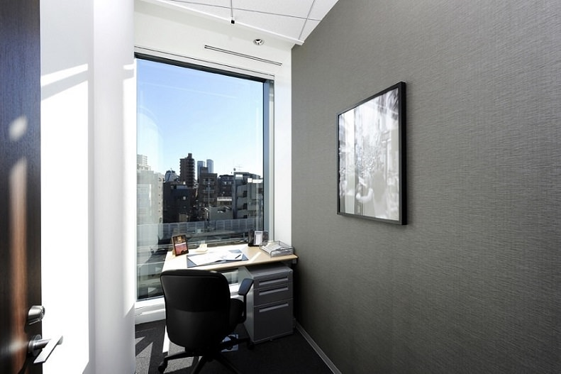 レンタルオフィス「リージャス麻布グリーンテラス」の個室(1人用)