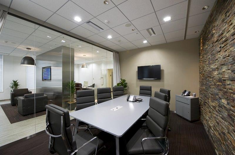 レンタルオフィス「リージャス広小路ガーデンアベニュー」の会議室