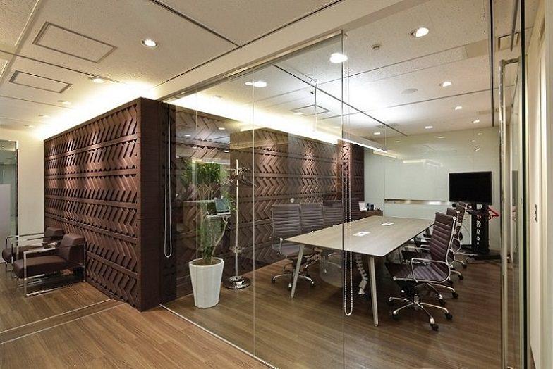 レンタルオフィス「リージャス阪急ターミナルビル」の会議室