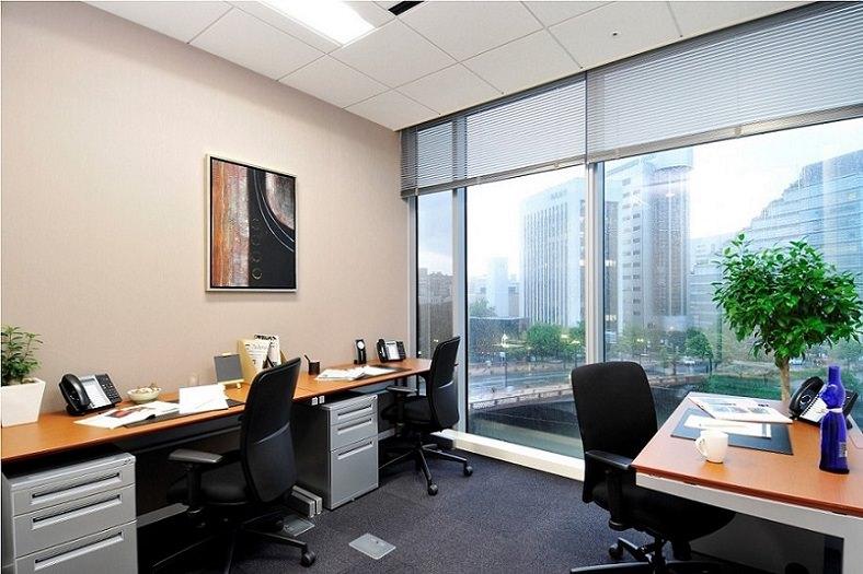 レンタルオフィス「リージャスアクア博多」の個室(3人用)