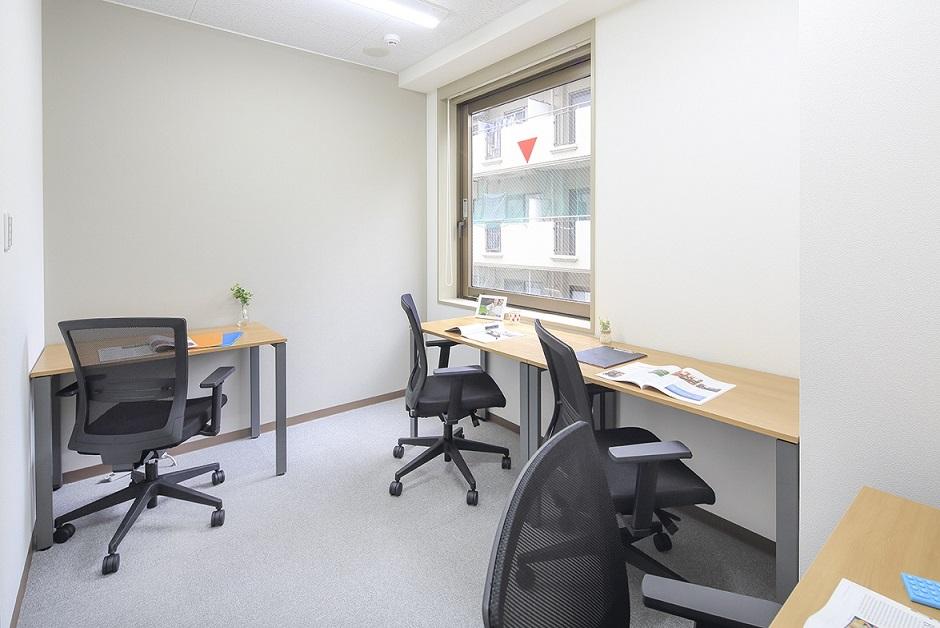 レンタルオフィス「オープンオフィス大門駅前」の個室(4人用)