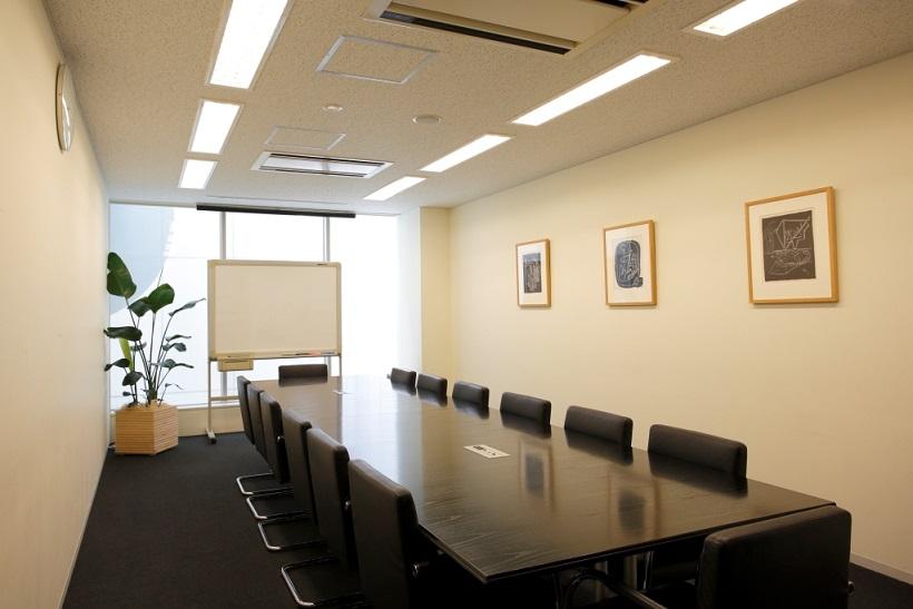 レンタルオフィス「BUREX 麹町」の会議室