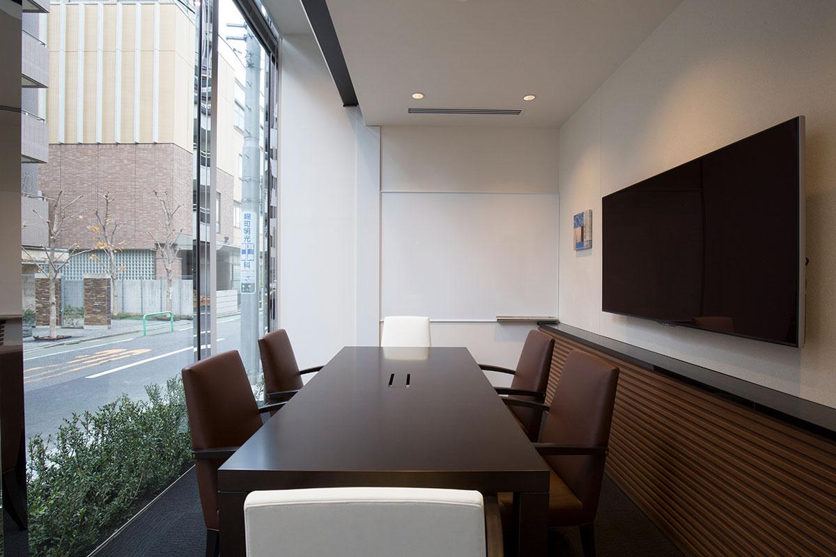 レンタルオフィス「EXPERT OFFICE 麹町」の会議室