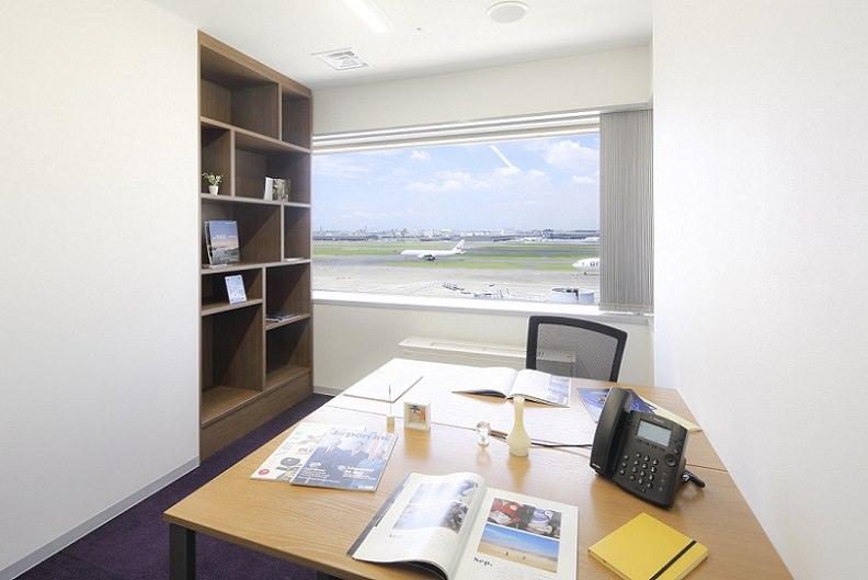 レンタルオフィス「Regus Express羽田空港第1ターミナル」の個室(2人用)