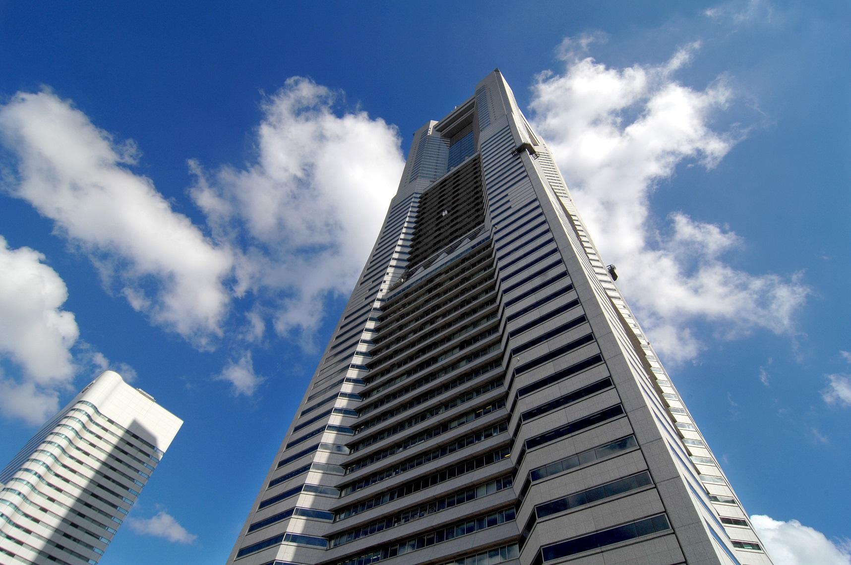 リージャス 横浜ランドマークタワー-外観