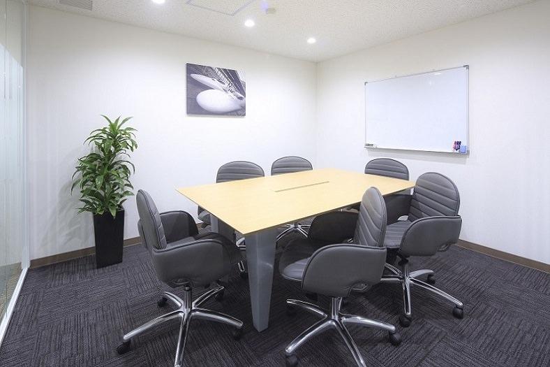 レンタルオフィス「オープンオフィス大分」の会議室