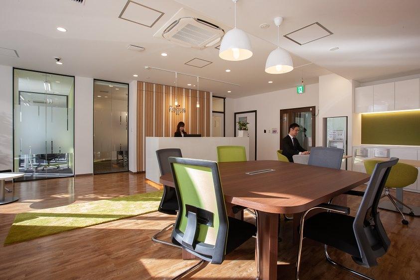 レンタルオフィス「リージャス八戸ビジネスセンター」の受付