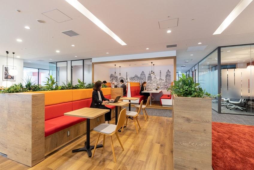 レンタルオフィス「リージャス梅田スクエアビジネスセンター」のビジネスラウンジ