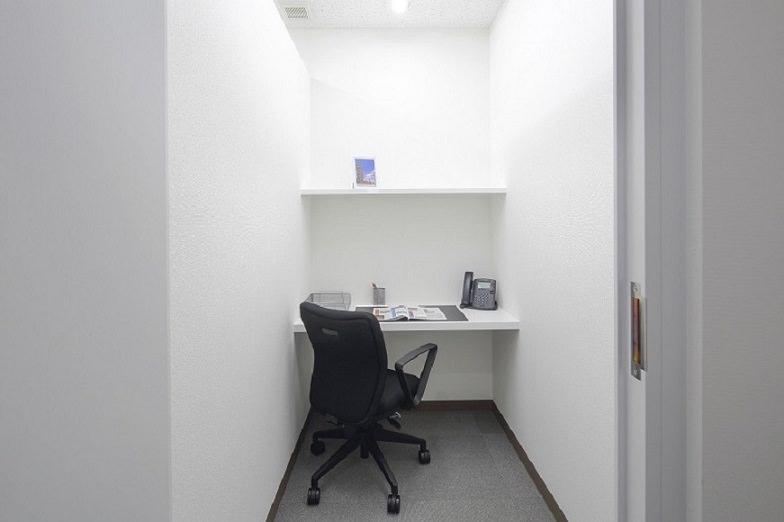 レンタルオフィス「リージャスCOI那覇ビル」の個室