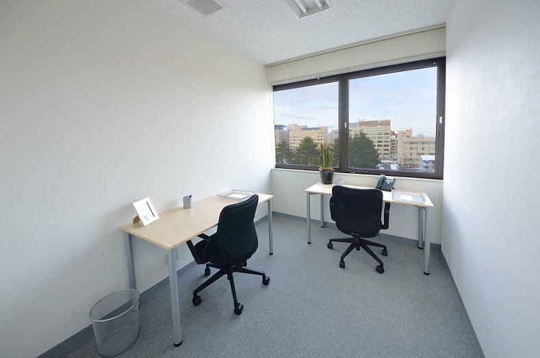 レンタルオフィス「リージャスアクア青森スクエア」の個室