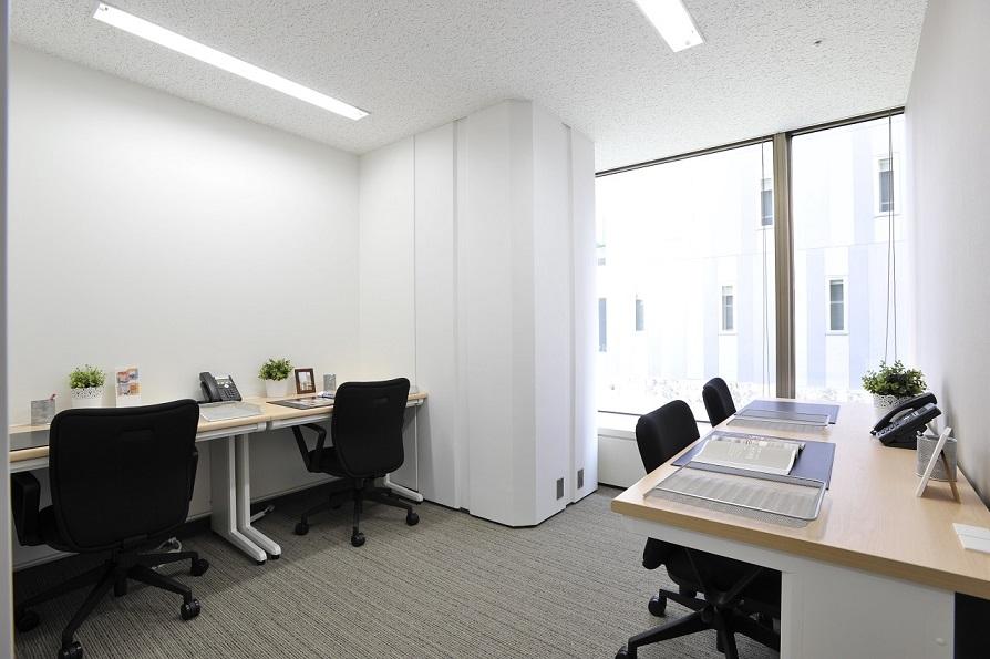 レンタルオフィス「オープンオフィス仙台駅前」の個室(4人用)