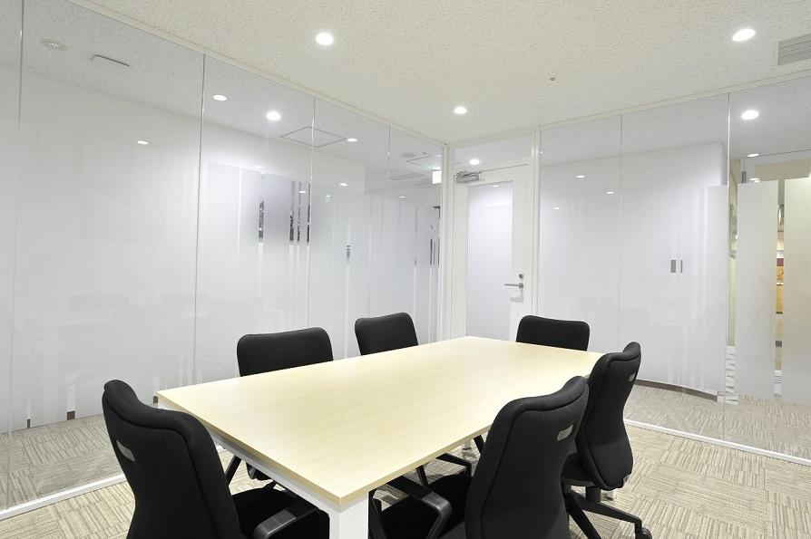 レンタルオフィス「オープンオフィス仙台駅前」の会議室