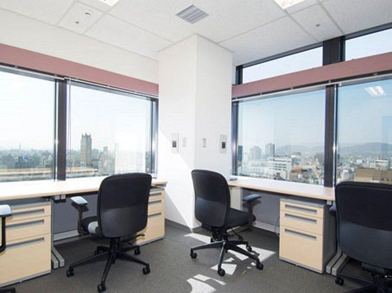 レンタルオフィス「リージャスひろしまハイビル21」の個室