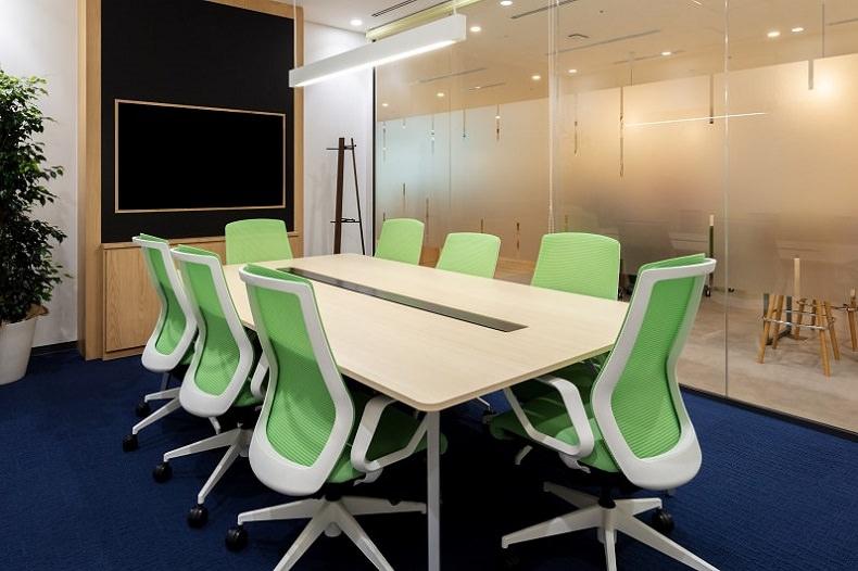 コワーキングスペース「リージャス池袋」の会議室
