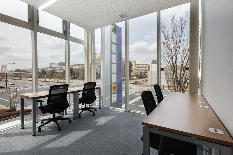 レンタルオフィス「リージャスつくばビジネスセンター」の個室(4人用)