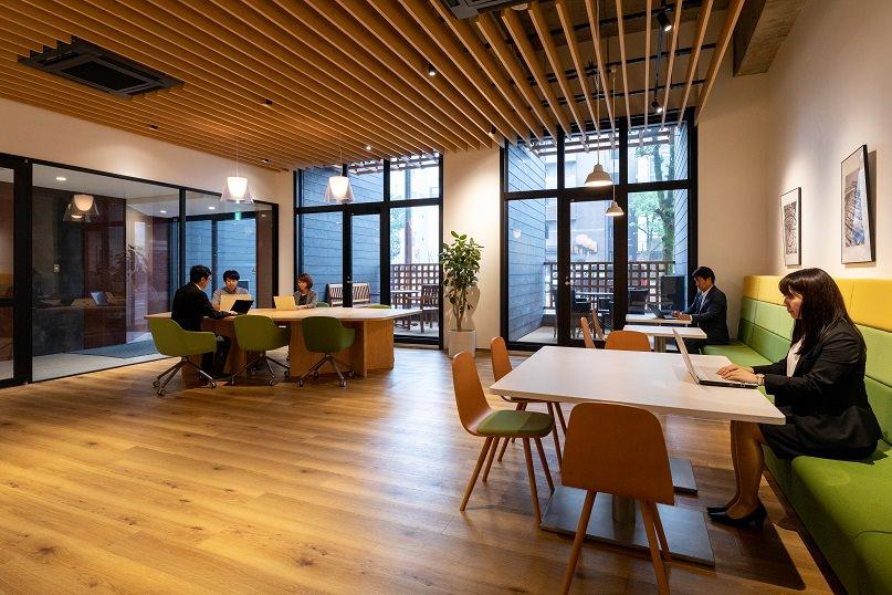 レンタルオフィス「リージャス 宮崎橘通ビジネスセンター」のビジネスラウンジ