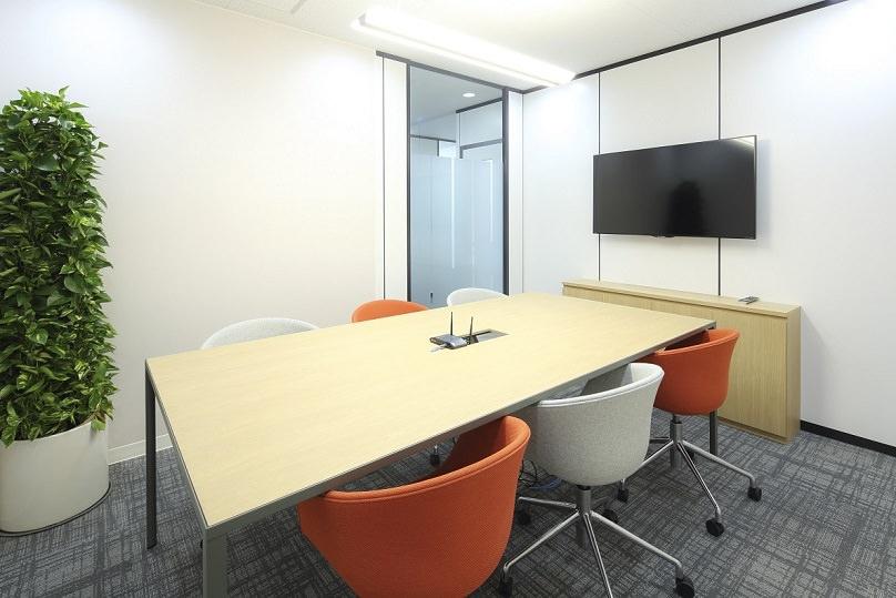 コワーキングスペース「リージャス 表参道フォレストヒルズ」の会議室