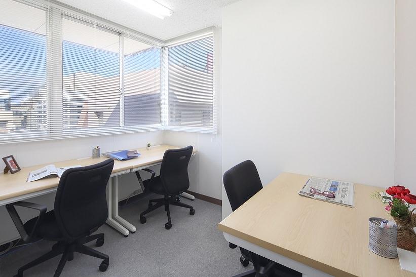レンタルオフィス「オープンオフィス熊本銀座通り」の個室