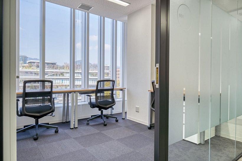 レンタルオフィス「リージャス熊本PLACE花畑ビジネスセンター」の個室②